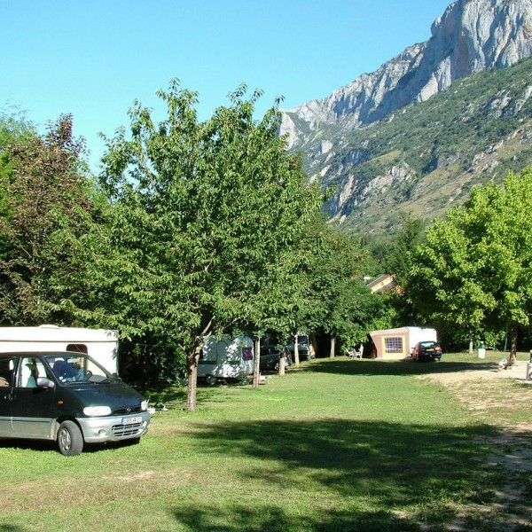 Emplacements libres camping vallée de beille